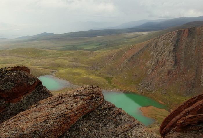 горное озеро монголии